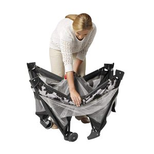 Graco Pack 'n Play On the Go Playard, folding