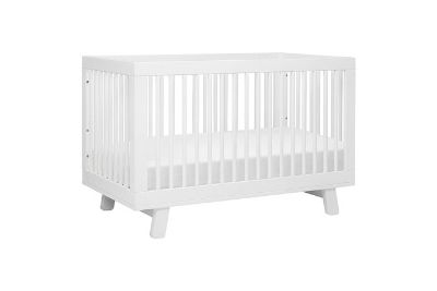 White baby crib for babies