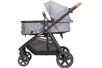 Forward facing stroller with canopy and storage space