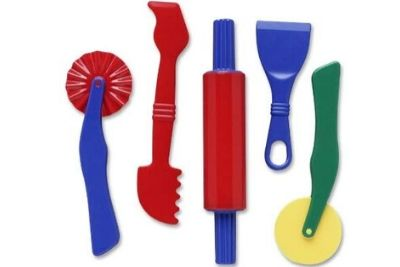Blue and red Doh tools